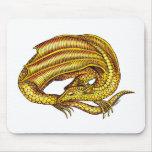 Dragón de oro alfombrillas de ratones