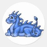 Dragón del bebé azul etiquetas redondas