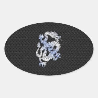 Dragón del estilo del cromo en la impresión negra pegatina ovalada