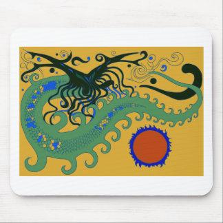 Dragón del mar profundo (verde en el oro) mouse pad