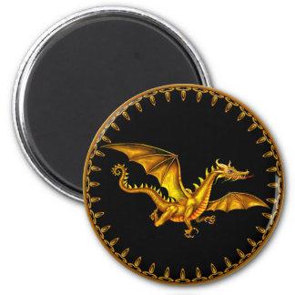 dragón del oro del vuelo en negro imán redondo 5 cm