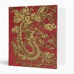 Dragón del oro en textura de cuero roja