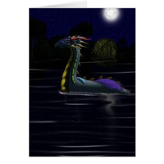 Dragón en el lago tarjeta de felicitación