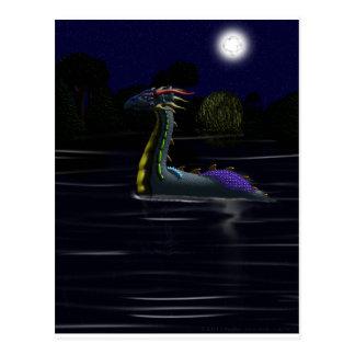 Dragón en el lago tarjetas postales