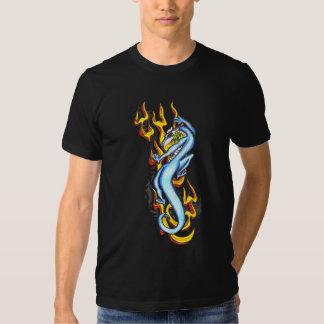 Dragón en la llama tribal por RyuNeko-Artz.com Poleras