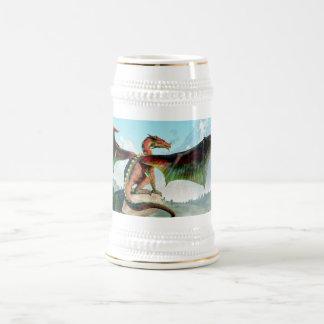 Dragón encaramado jarra de cerveza