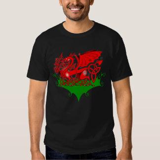 Dragón Galés con la camiseta de Knotwork del Playeras