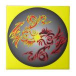 dragón gemelo rojo de la luna teja