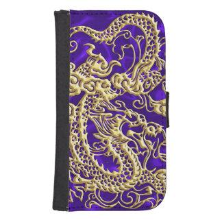 Dragón grabado en relieve del oro en el satén billetera para teléfono