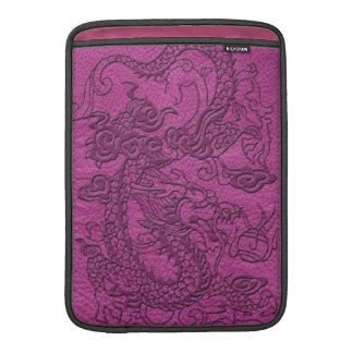 Dragón grabado en relieve en textura de cuero funda macbook air