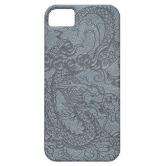 Dragón grabado en relieve en textura de cuero gris iPhone 5 fundas