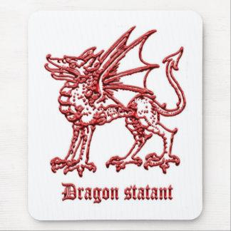 Dragón medieval de la heráldica statant alfombrillas de ratones