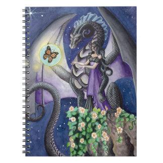 Dragón negro con arte del dragón de la mariposa cuaderno