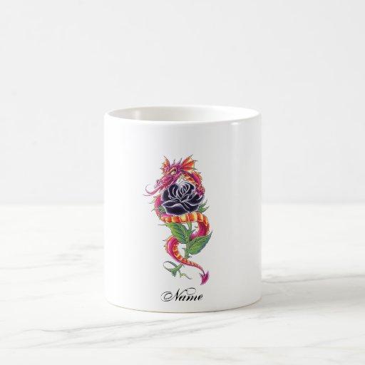 Dragón oriental fresco y tatuaje color de rosa taza clásica