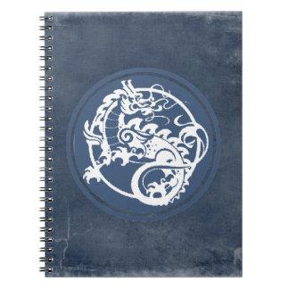 Dragón ornamental libros de apuntes