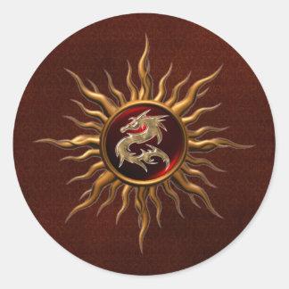 Dragón ornamental de Sun Pegatina Redonda