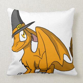 Dragón peludo del SD del naranja con el gorra de Almohadas