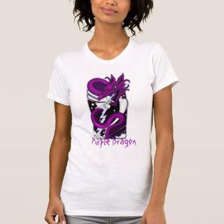 Dragón púrpura tribal de los hombres de la camisa