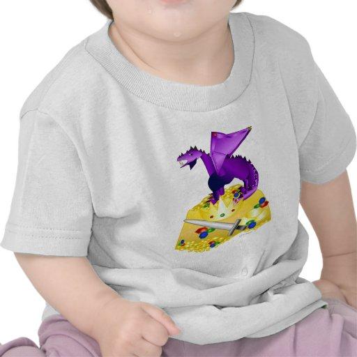 dragón púrpura y gold.png camisetas