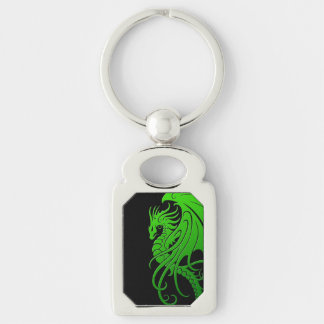 Dragón tribal que vuela - verde en negro llavero plateado rectangular