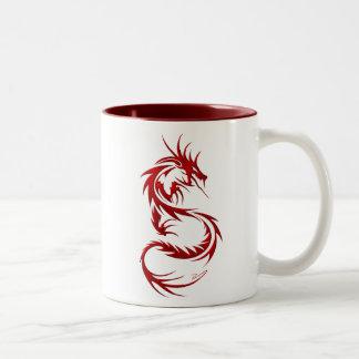 Dragón tribal taza de café de dos colores