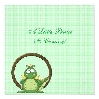 """Dragón verde en fiesta de bienvenida al bebé de la invitación 5.25"""" x 5.25"""""""