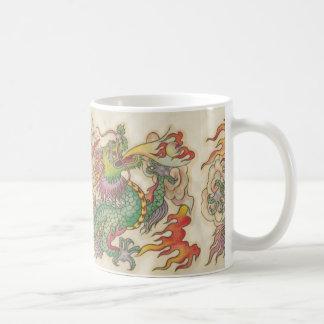 dragón verde taza básica blanca