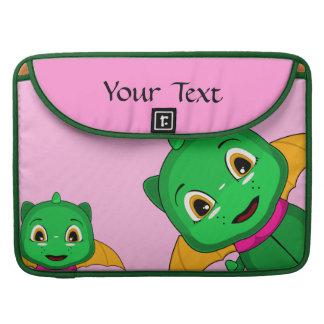 Dragón verde y anaranjado de Chibi Funda Para Macbook Pro