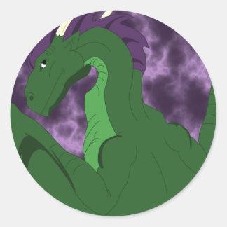 Dragón verde y púrpura fresco pegatina redonda