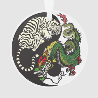 dragón verde y símbolo blanco de yang del yin del