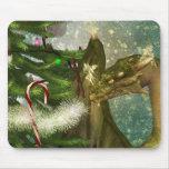 Dragón y hadas del navidad alfombrillas de ratón