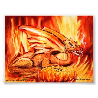 Dragón y huevo del fuego fotografía