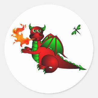 Dragón y libélula rojos pegatina redonda