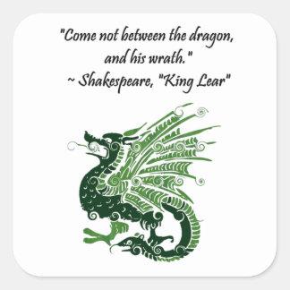 Dragón y su rey Lear Cartoon de Shakespeare de la Pegatina Cuadrada