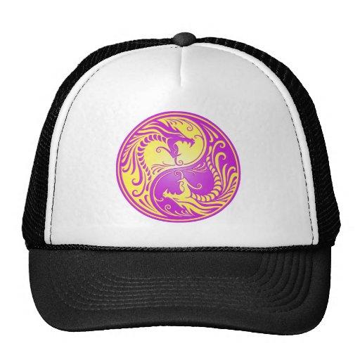 Dragones, amarillo y púrpura de Yin Yang Gorro De Camionero
