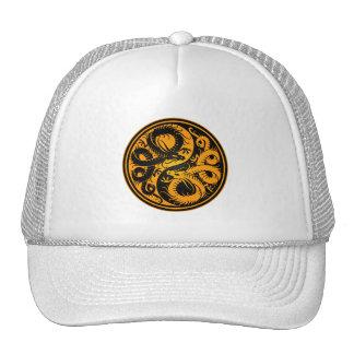 Dragones amarillos y negros del chino de Yin Yang Gorras De Camionero