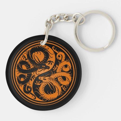 Dragones anaranjados y negros del chino de Yin Yan Llavero Redondo Acrílico A Doble Cara