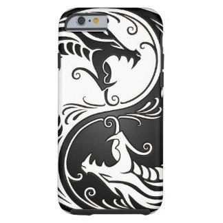 Dragones blancos y negros de Yin Yang Funda De iPhone 6 Tough