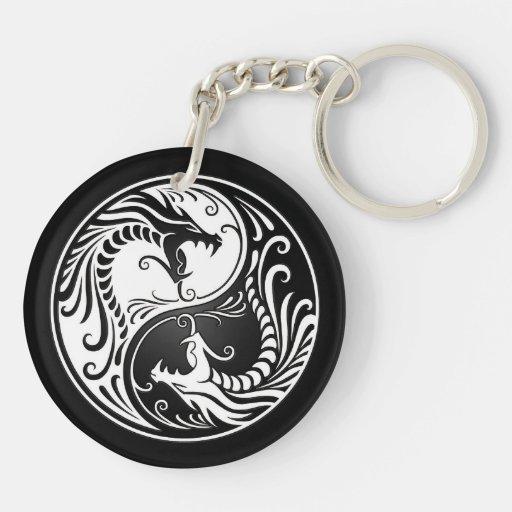 Dragones blancos y negros de Yin Yang Llavero