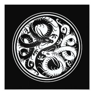 Dragones blancos y negros del chino de Yin Yang Invitaciones Personalizada