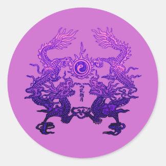 Dragones CHINOS de la púrpura del AÑO NUEVO Pegatina Redonda