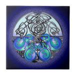 Dragones chinos del arte céltico azules y negros azulejo ceramica