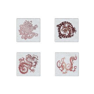 Dragones chinos rojo oscuro fijados - 4 imanes 1 imán de piedra
