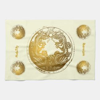 Dragones de oro apenados - nobleza, heroísmo toallas de cocina
