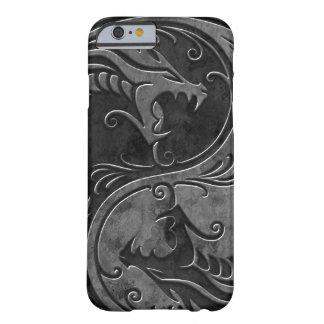 Dragones de piedra de Yin Yang Funda De iPhone 6 Barely There