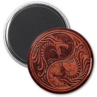 Dragones de piedra rojos de Yin Yang Imán Redondo 5 Cm