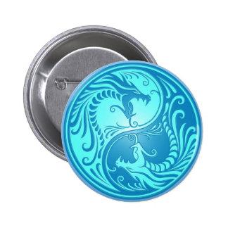 Dragones de Yin Yang, azules claros Pin Redondo De 2 Pulgadas