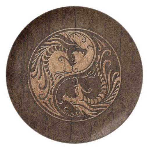 Dragones de Yin Yang con el efecto de madera del g Platos Para Fiestas
