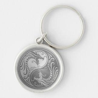 Dragones de Yin Yang del acero inoxidable Llavero Redondo Plateado