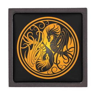 Dragones de Yin Yang del vuelo - amarillo y negro Caja De Regalo De Calidad